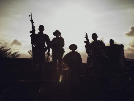 生存殺戮-轟雷中隊形象寫真